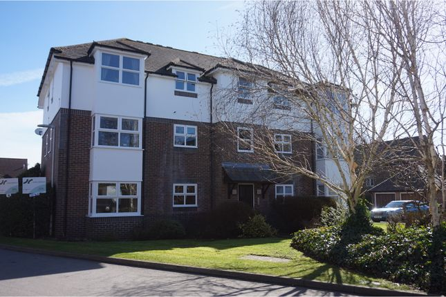 Thumbnail Flat to rent in St. Michaels Close, Hungerford