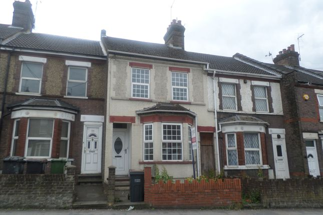 Thumbnail Terraced house to rent in Dallow Road, Luton