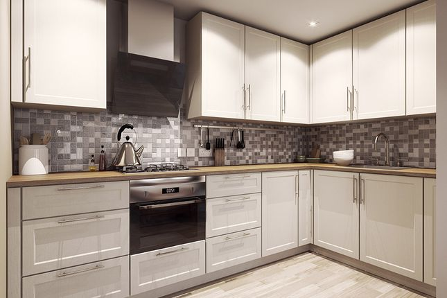 2 bed flat to rent in Crownstone Road, London SW2