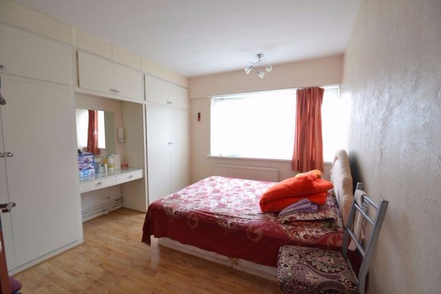 Thumbnail Flat to rent in Clarence Avenue, Ilford
