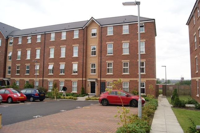 2 bed flat to rent in Meadow Rise, Meadowfield, Durham DH7