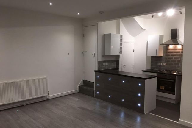 Thumbnail Terraced house to rent in Mayville Place, Leeds