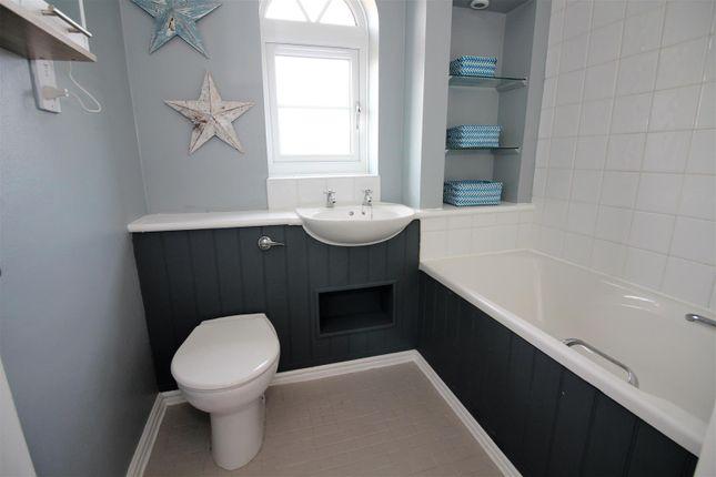 Juniper 4 Bathroom