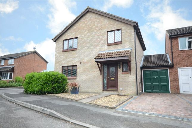 Thumbnail Detached house for sale in Avocet Crescent, College Town, Sandhurst