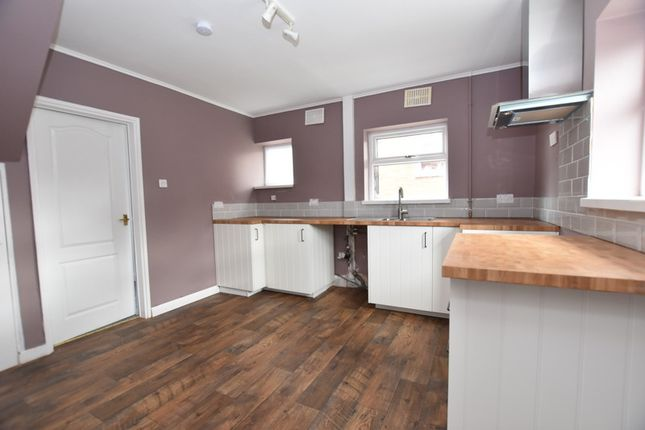 Thumbnail Semi-detached house to rent in Beaconsfield Drive, Blurton, Stoke-On-Trent