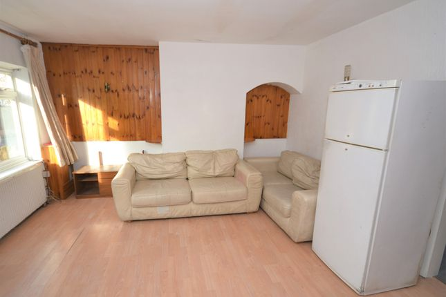 Thumbnail Terraced house to rent in Stanley Close, Alperton
