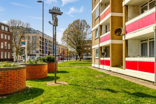 2 bed flat for sale in Orchard Lane, Southampton SO14