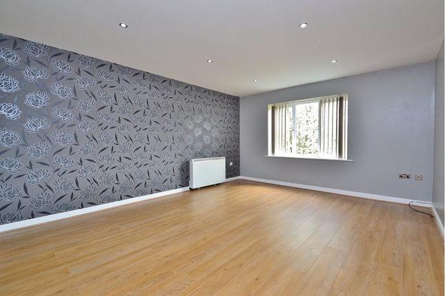 Thumbnail Flat to rent in Victoria Court, Barwick Road, Crossgates, Leeds
