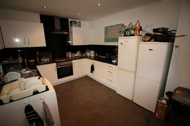 Property to rent in Victoria Road, Hyde Park, Leeds