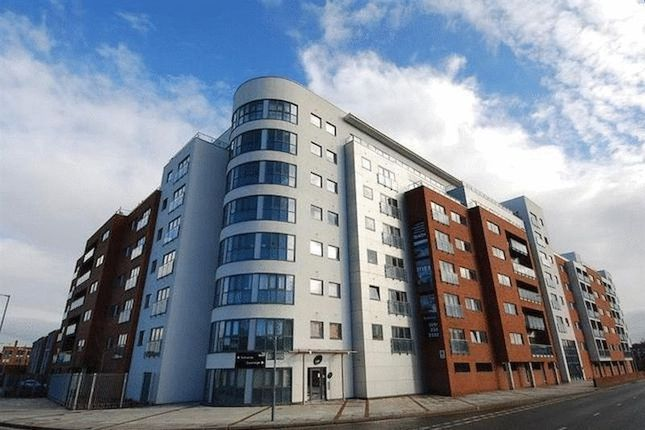 Flat to rent in The Reach, Leeds Street, Liverpool