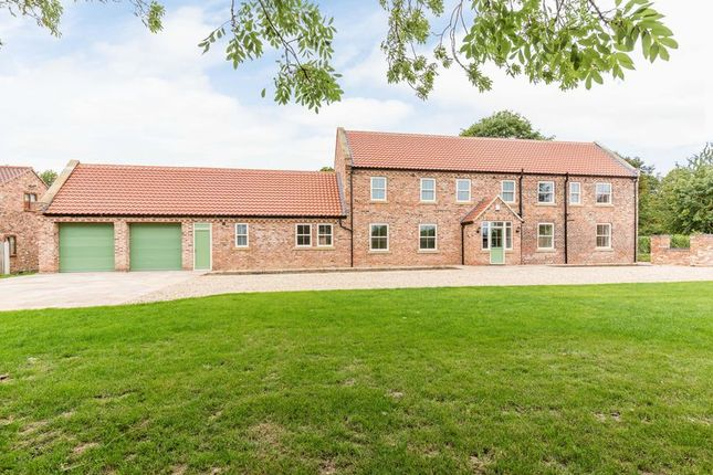 Thumbnail Cottage for sale in Tetley, Crowle, Scunthorpe