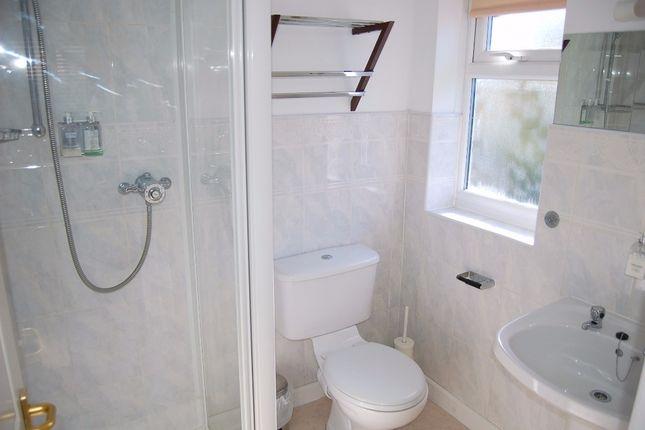Room 9 Ensuite of Moniton Estate, West Ham Lane, Basingstoke RG22