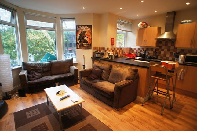 Thumbnail Flat to rent in Ruthin Gardens, Cathays, Cardiff