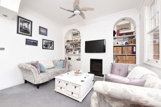Thumbnail Flat to rent in Riggindale Road, London