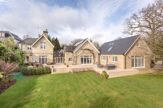 5 bed country house for sale in Woodfield Lane, Brookmans Park, Hatfield AL9