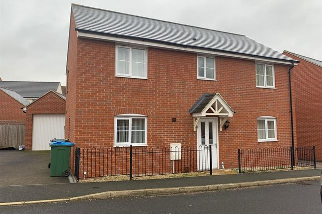 Thumbnail Detached house to rent in Ossulbury Lane, Aylesbury