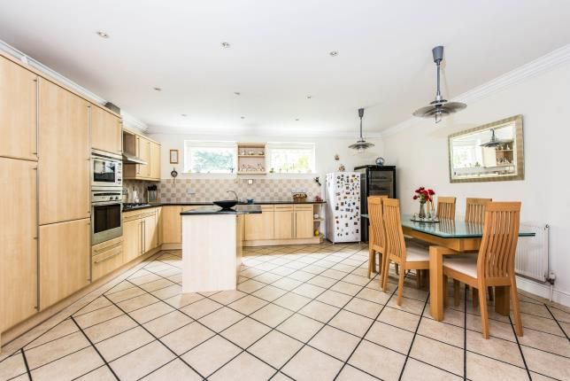 Thumbnail Flat for sale in The Mount, Guildford, Surrey