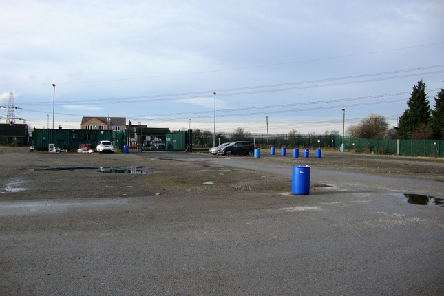 Thumbnail Land for sale in Great North Road, Knottingley