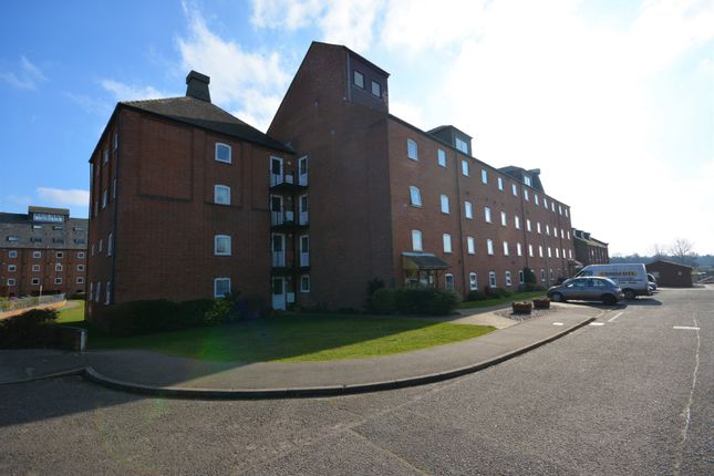 Thumbnail Flat for sale in Swonnells Court, Lowestoft