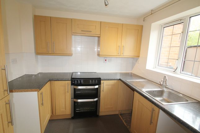 Thumbnail Property to rent in Dunlin Close, Quedgeley, Gloucester