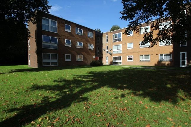 Thumbnail Flat to rent in Altrincham Road, Wythenshawe, Manchester