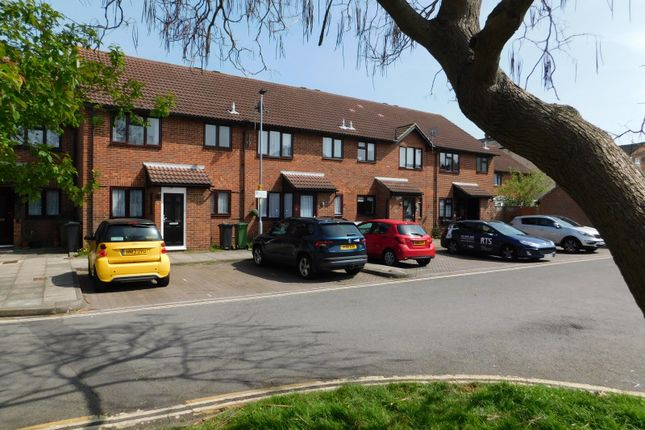 Thumbnail Terraced house to rent in Bucklers Court, Portsmouth