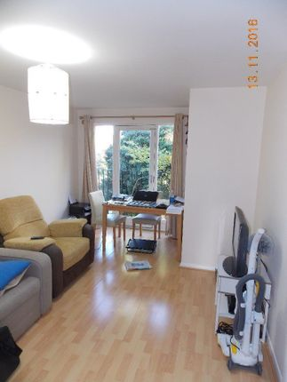 Thumbnail Flat to rent in Ringway, Southall