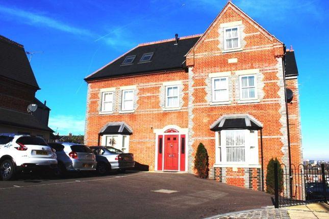 Luxury One Bedroom Apartment, Willow Corner, Reading RG1