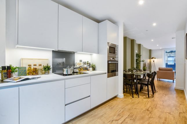 3 bed flat for sale in Manor Place, Elephant And Castle, Southwark SE17