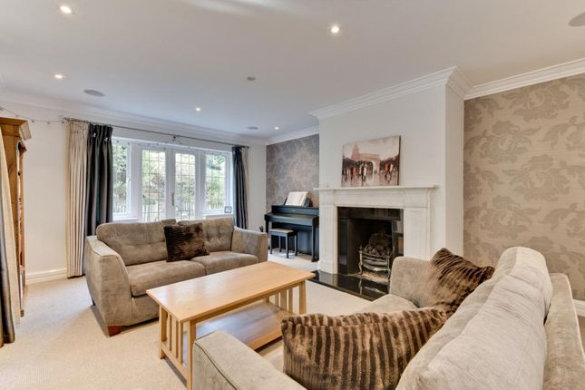 Thumbnail Detached house to rent in Chatsworth Place, Oxshott