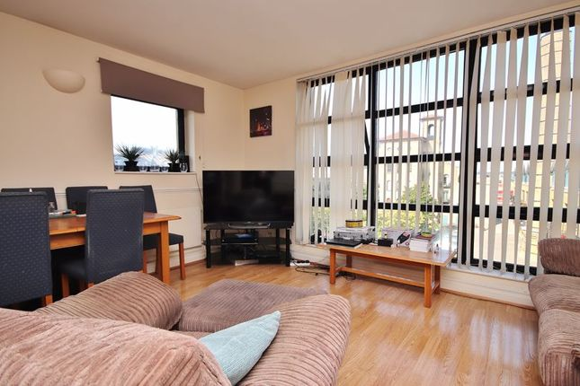 Thumbnail Flat to rent in Burrells Wharf Square, London