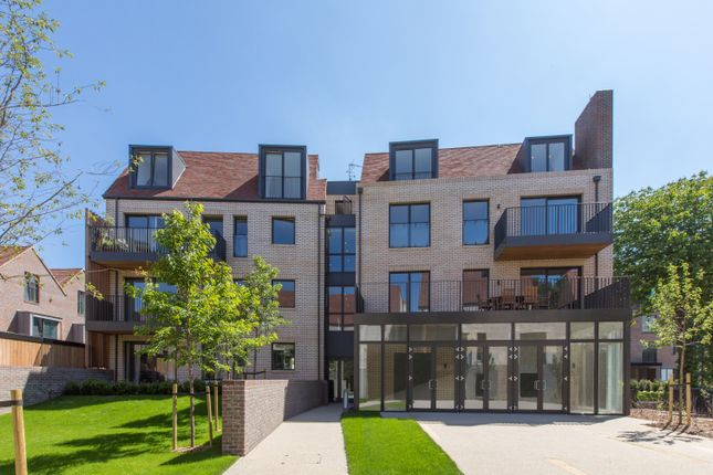 Thumbnail Flat for sale in Woodside Square, Muswell Hill