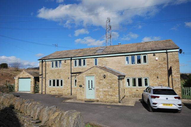 5 bed detached house to rent in Meadow Head Lane, Rochdale OL11