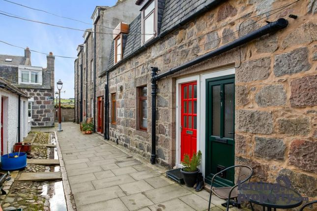2 bed terraced house to rent in Pilot Square, Aberdeen AB11