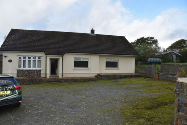 Thumbnail Semi-detached house to rent in Capel Iwan Road, Newcastle Emlyn, Carmarthenshire