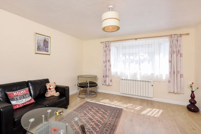 Thumbnail Flat to rent in Town Centre, Witney