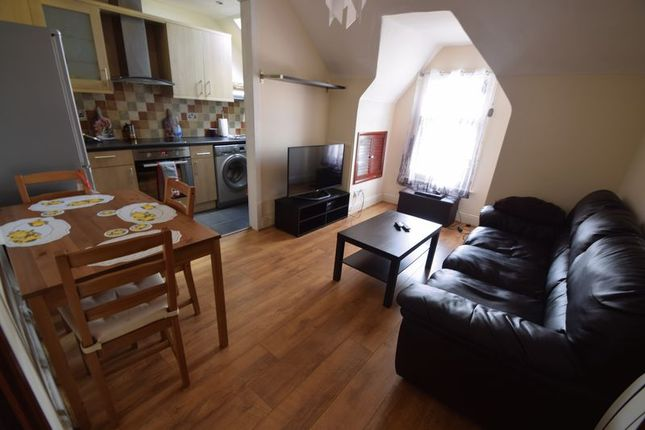 Thumbnail Flat for sale in Napier Road, Luton