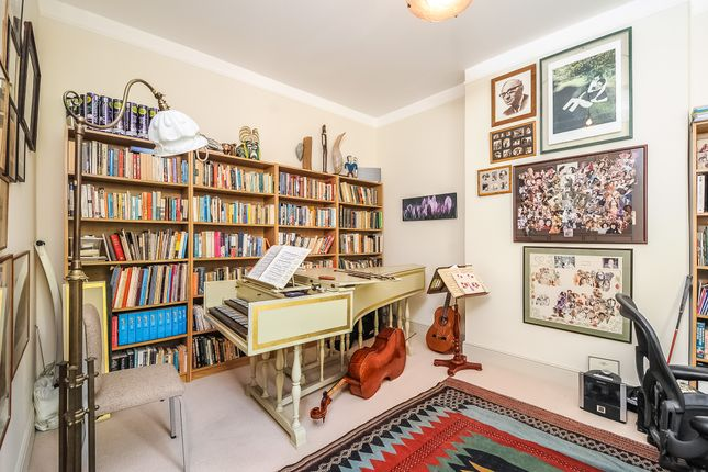 Music Room of Exeter Road, Queens Park NW2