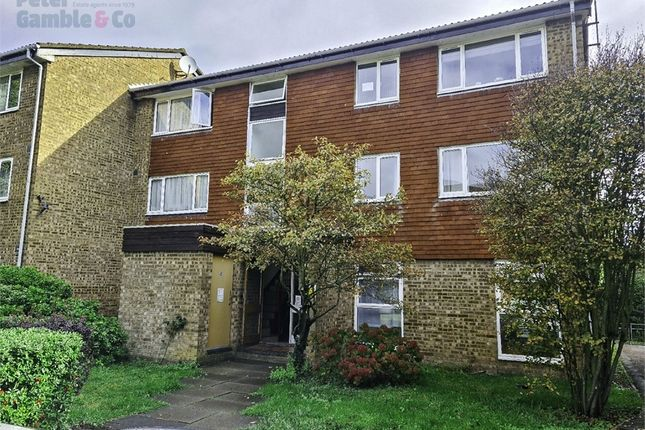 2 bed flat for sale in Buckingham Avenue, Perivale, Greenford, Greater London UB6