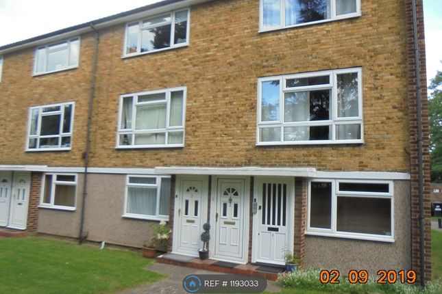 2 bed flat to rent in Beeches Court, Bromley BR1