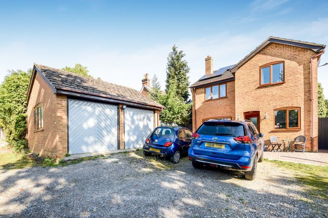 Thumbnail Detached house for sale in Rosebank Close, Tadley, Hampshire