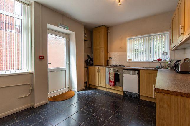 Bryngwyn Road Ds Kitchen (1)