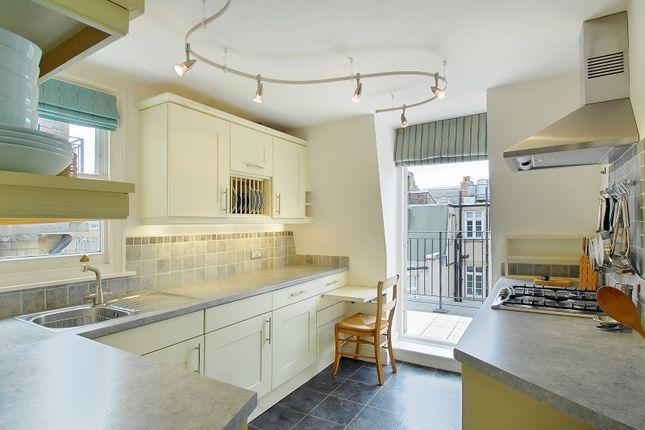 Thumbnail Flat to rent in Maybury Court, Marylebone, London W1.