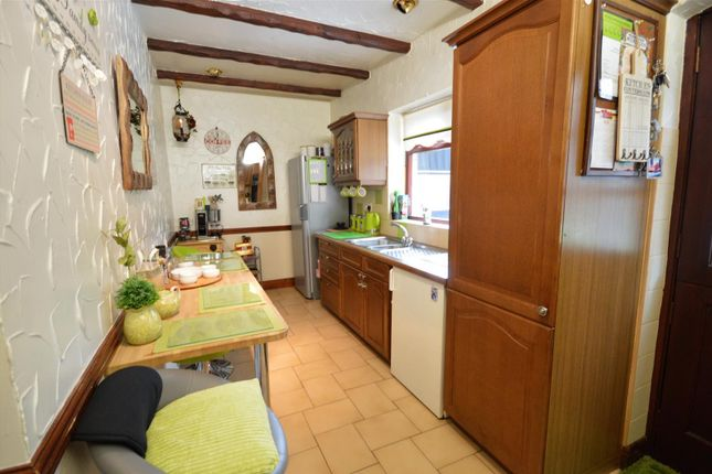 Kitchen of Rock Road, Latchford, Warrington WA4
