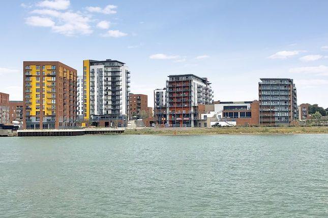 Thumbnail Flat for sale in Denyer Walk, Southampton