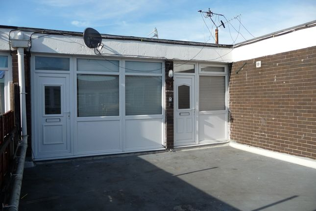 Thumbnail Flat to rent in Ford Road, Upton, Wirral