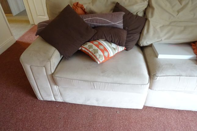 Part Furnished of New Street, Greasbrough S61
