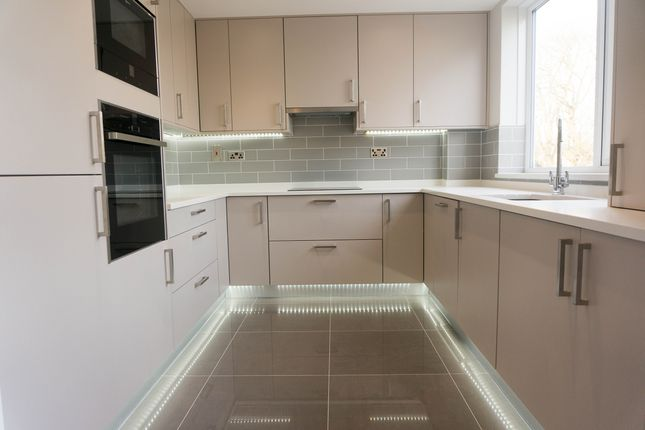 Thumbnail Flat to rent in Stonegrove, London