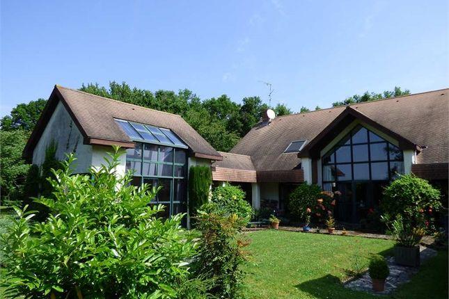 Thumbnail Detached house for sale in Île-De-France, Seine-Et-Marne, Fontainebleau
