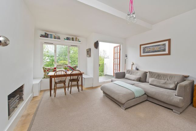 Thumbnail Flat for sale in Kings Avenue, Muswell Hill